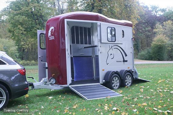 ChevaLiberté TouringCountry Alu 2prds Vooruitloop  320x167x230cm 2000kg