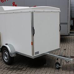 geslotenwagen met rol luik achterzijde